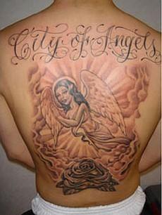 tatuaż religijny anielica