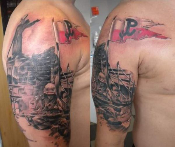 Tatuaż Na Ramie Patriotyczny