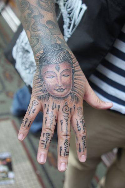 Tatuaż Budda Na Dłoni