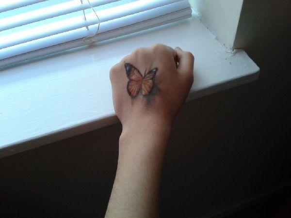 motyl 3d na dłoni