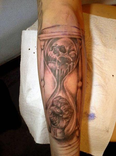 tatuaż klepsydry 3d