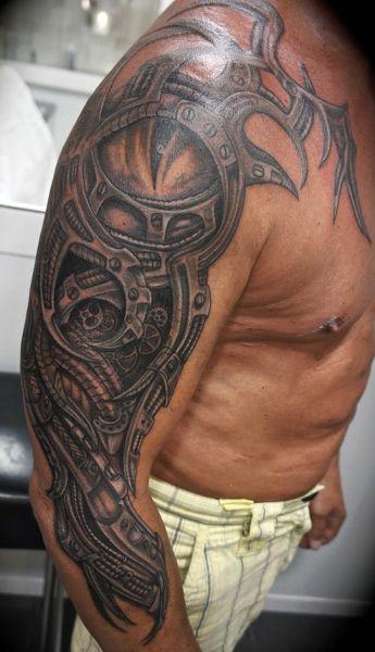 Tatuaż Biomechanicznyny Na Ręce