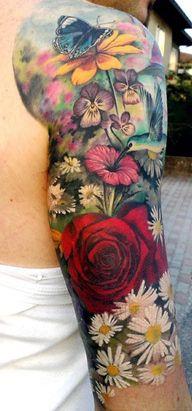 tatuaże kolorowe na ręce