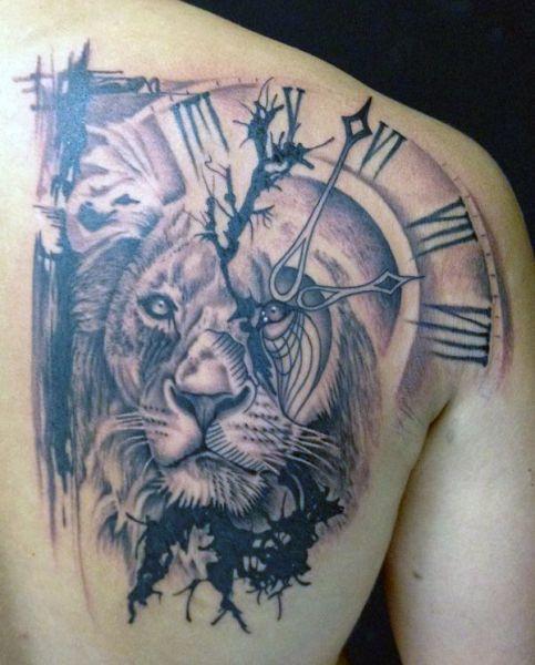 Tatuaże Męskie Lew I Zegar
