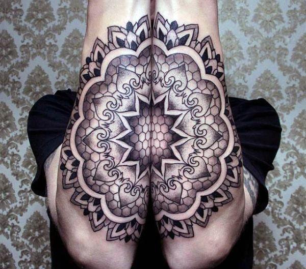 niesamowity tatuaż na ręce