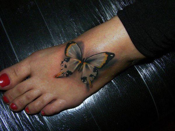 tatuaże na stopie motyl 3d