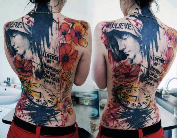 tatuaże damskie na całe plecy