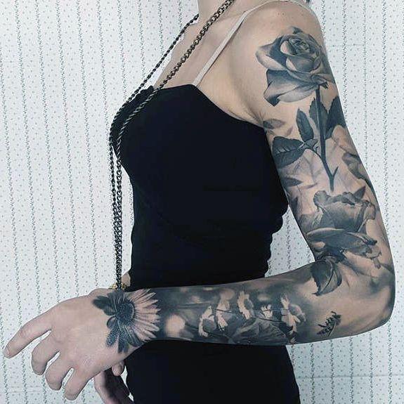 tatuaże damskie kwiaty na ręce