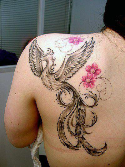 tatuaże damskie phoenix na plecy