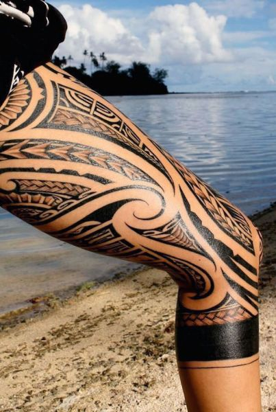 amazing tattoo on thigh