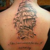 statek na plecach