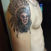 indianin na ramieniu