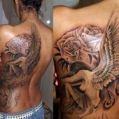 tatuaż anielicy z różami