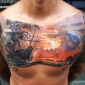 tatuaż piracki na piersi
