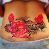 tatuaże dla dziewczyn kwiaty
