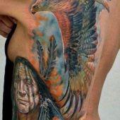 tatuaż indiański na plecy