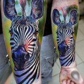 realistyczny tatuaż zebry