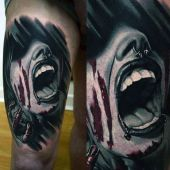 amazing 3d thigh tattoo
