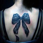 tatuaże damskie kokarda 3d