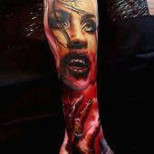 tatuaże na łydce wampirzyca