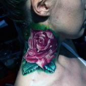 tatuaże damskie róża