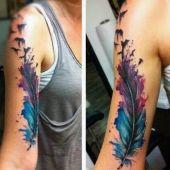 tatuaże na ręce pióro