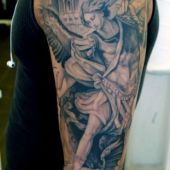 tatuaże męskie anioł i demon