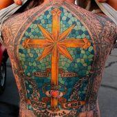 tatuaże religijne na plecach