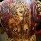 tatuaże męskie wampirzyca na plecach