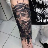 tatuaże religijne Chrystus na ręce 3d