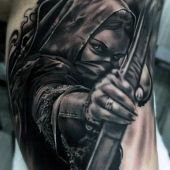 tatuaż 3d kobieta z łukiem
