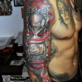 tatuaż piękna klepsydra 3d