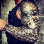 tatuaż męski na całą rękę