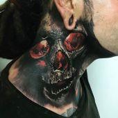 czaszka na szyi