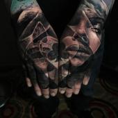 tatuaż na dłoniach 3d