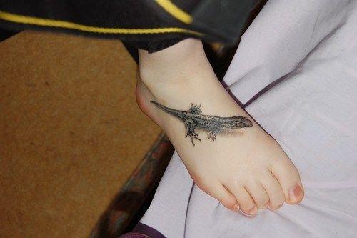 Tatuaże 3d Jaszczurka Na Stopie