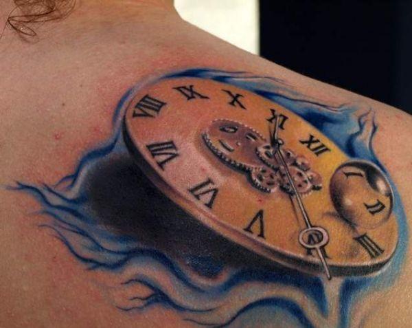 Tatuaż Zegar Na Plecach