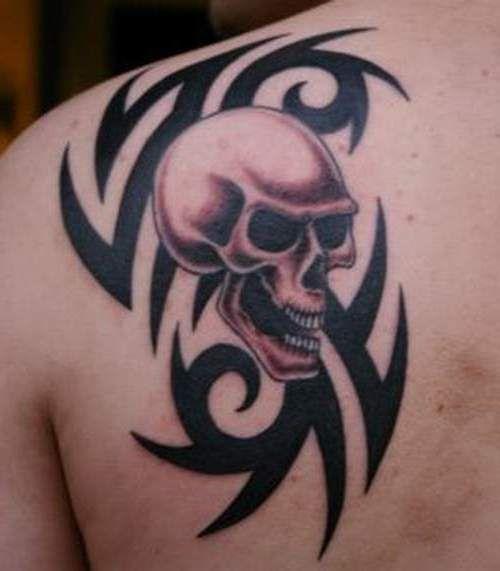 czaszka i tribal