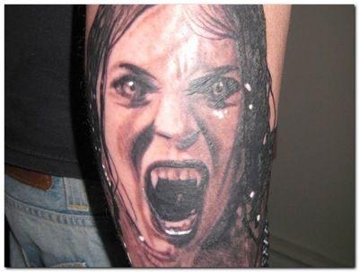 tatuaż, kobieta wampirzyca