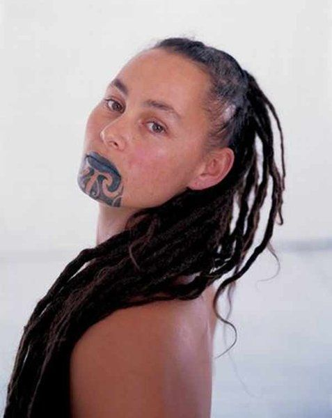 tatuaż, tribal na twarzy