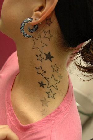 tatuaż, gwiazdki za uchem
