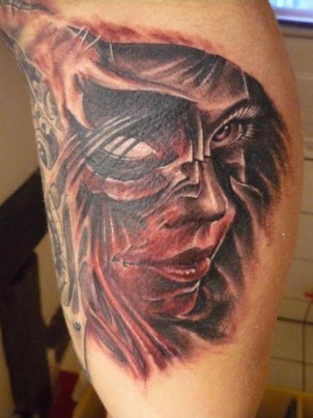 Tatuaż Celtycki Krzyż Na Boku