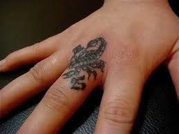 Tatuaże Na Dłoni Skorpion