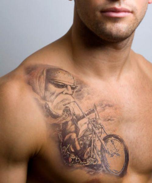 Tatuaż Motocyklista Na Piersi