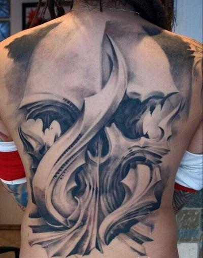 czaszka na plecach