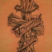 tatuaż krzyż 3D