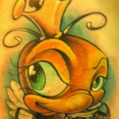 tatuaż pszczoła