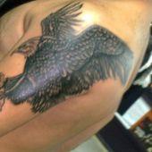 tatuaż orzeł na ramieniu