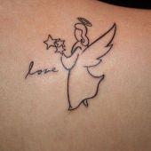 tatuaż aniołek