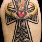 krzyż i serce